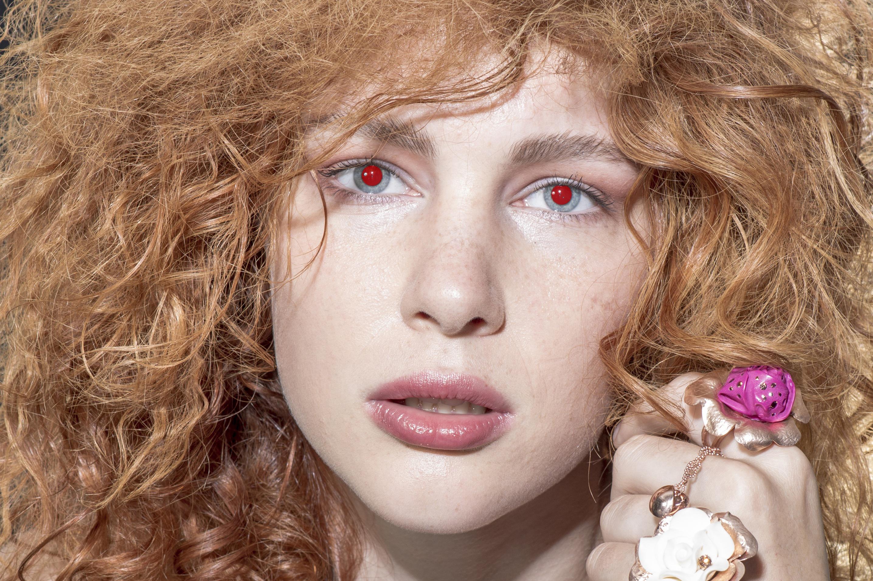 vzor-cervene-oci